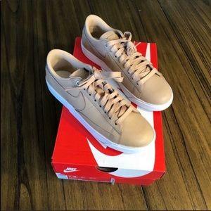 Nike Shoes - Nike women's blazer low casual neutral sneaker